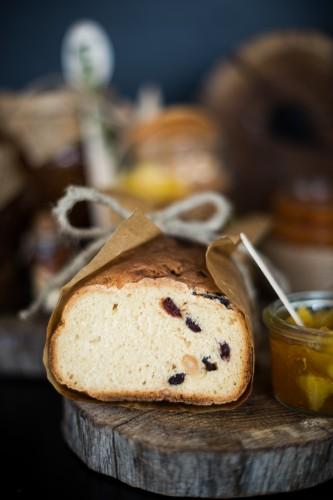 ciop ciop Kaledos vaisine duona