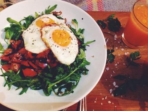 pusryciai dervynas kiausiniai fried eggs