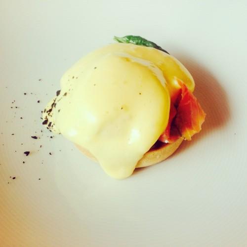 eggs benedict dervynas stebuklai