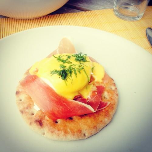 eggs benedict homemade dervynas pusryciai breakfast