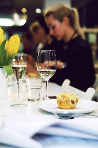 Prosecco baltas vynas pasta