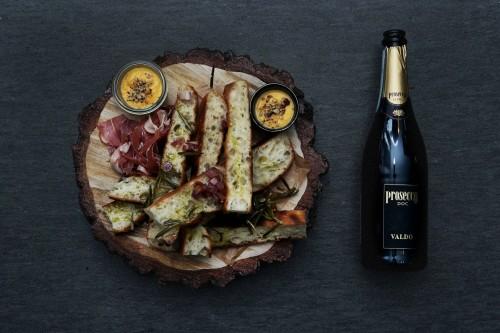 Putojantis vynas ir maistas Prosecco