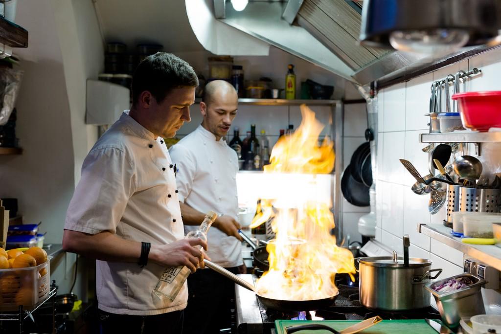 Sofa de Pancho Dervynas 30 geriausiu restoranu